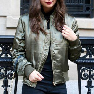 TEA N CUP OLIVE SILKY BOMBER JACKET SMALL